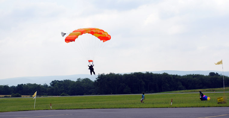 Jack Myers of Diakon Senior Living - Hagerstown skydives for 90th birthday